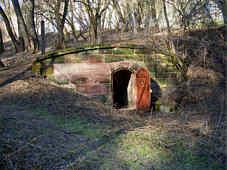 Eingang zur fr�hneuzeitliche Quellkammer 60 m s�d�stlich Schloss Kugelhammer