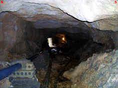 """pleistozäne Kalktuffsedimente im Hauptgang der Kalktuffhöhle """"C 248"""" in Oberleinleiter/Ofr."""