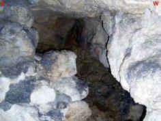 """pleistozäne Kalktuffsedimente im südlichen Seitengang in der Kalktuffhöhle """"C 248"""" in Oberleinleiter/Ofr."""