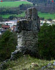 """Riffdolomit des Malm delta; """"Kreuzstein"""" östlich Oberleinleiter/Ofr."""