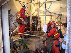 Vorbereitungen zum Einfahren in den Tiefen Brunnen auf der Kaiserburg zu Nürnberg