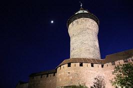 Der in der zweiten Hälfte des 13. Jahrhunderts erbaute Sinwellturm auf der Kaiserburg zu Nürnberg. Foto: Florian Huber/Kiel.