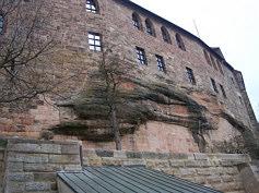 Der vermutlich unter Friedrich I. Barbarossa und anschließend unter seinem Sohn und Nachfolger Heinrich VI. errichtete Palas der Nürnberger Kaiserburg.