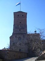 """Der vermutlich um 1215 erbaute """"Heidenturm"""" auf der Kaiserburg zu Nürnberg."""