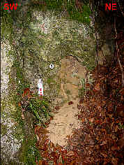 """Kleiner """"Hungerbrunnen"""" 90 m NE´ der Mysteriengrotte 1200 m SSE´ Krottensee"""