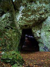 Eingang zur Mysteriengrotte 1200 m SSE� Krottensee