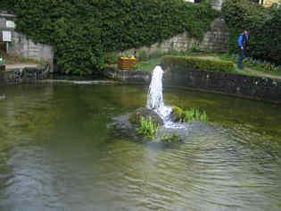 Pegnitzquelle mit nachgeschalteten Wasserbcken in Pegnitz/Ofr.
