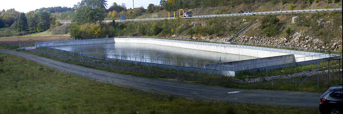 """""""Autobahn-Versickerungsbecken"""" im Trockental N' Schirradorf/Ofr."""