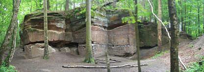 """Aufgelassener mittelalterlicher Steinbruch (Mittlerer Burgsandstein) 260 m NW´ der """"Gritz"""" am Schmausenbuck"""