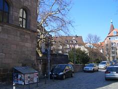 """Relikt der """"vorletzten Stadtbefestigung"""" südlich des """"Laufer Schlagturm"""" in der Altstadt von Nürnberg."""