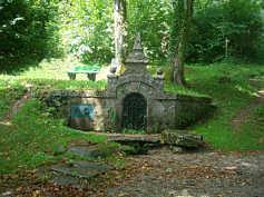 """Die Muschelquelle an der """"Klararuh"""" in Streitberg/Ofr."""