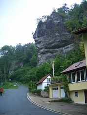 Massenkalkfelsen im Schauertal in Streitberg/Ofr.