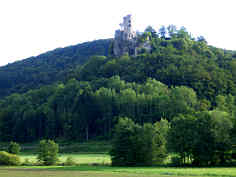 Burgruine Neideck über dem Wiesenttal bei Streitberg/Ofr.